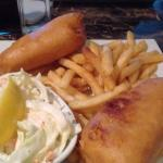 Fish & chips with cole slaw