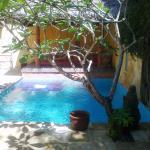 Pool and bale Rumah Ampel
