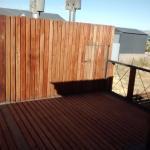 una terraza saliendo del pasillo comun pero que se ve desde la cocina