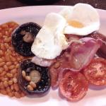 A very good Full English Cooked Breakfast (11/Mar/16).