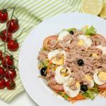 Muito saudável e saborosa a salada de atum...