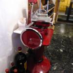 Schneidemaschine im Eingang