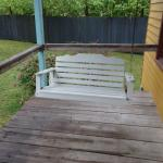 Evangeline cottage - porch swing