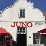 Juno Bistro and Bakery Foto
