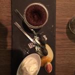 Tatar  vom Thunfisch, Rindssteak, Schokoladenküchle mit flüssigem Kern.