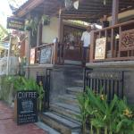The front of Warung Magendra.