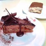 Tarta Emiliana – de chocolate, mousse de turrón y almendras.