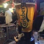 ビールのタワー(中に氷柱が入っています)