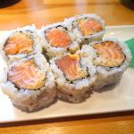 6 pcs spicy salmon roll