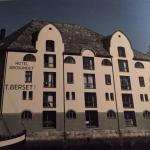 Hotellet sett frå Brosundet