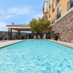 Our Roseville Hotel's Outdoor Pool