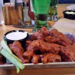 Very good wings.