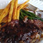 Foie de veau, frites, haricots verts