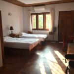 PYI Guesthouse and Restaurant Foto