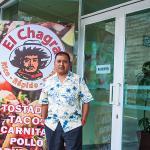 Carlos Eugenio visistando El Chagra