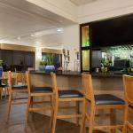 Island's Bar & Grill