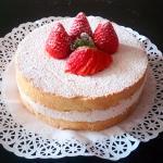 Genovesa con nata y fresas