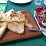Garlic bread and octopus