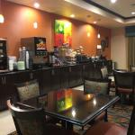 Photo de Best Western Plus Midland Suites