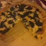 El mejor lugar para comer pizza!!! Se los recomiendo ampliamente. Todo exquisito.  El lugar se v