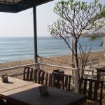 Baanmontra Beach Resort Photo