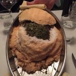 Ein Muss beim Hirlanda-Besuch: Chateaubriand im Heumantel und in der Salzkruste zubereitet.