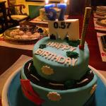 Amazing birthday cake by Papaspirou!! Good job ��