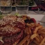 Burger, mozzarella, pesto...