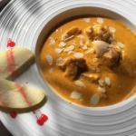 Poulet sauce Maharajah à la creme, cajoux et amande = fondant et délicieux