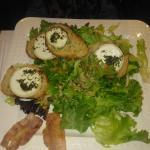 grande salade de chevre chaud et lard roti