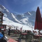 Terrasse mit Eiger und Jungfrau