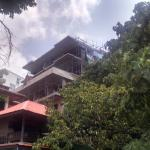 Baustelle inmitten der Wohnanlage
