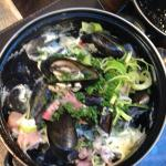Moules in leek and bacon sauce
