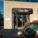 Entré du restaurant ''Chez Lien''.