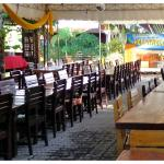 Outdoor function area that can accomodate up to 300 guests.