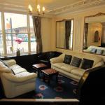 Foto de The Grail Court Hotel