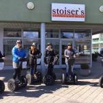 Barbara Stoiser und Ihr Team beim Segway fahren.