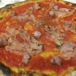 Veniamo spesso e le pizze sono sempre ottime !!! Complimenti al pizzaiolo !! 😋😋 Il personale c
