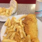 صورة فوتوغرافية لـ The Golden Fish Bar
