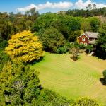 Spacious and private historic Orongo Bay Homestead