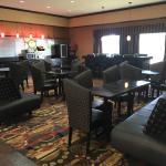 Photo de La Quinta Inn & Suites Denton - University Drive