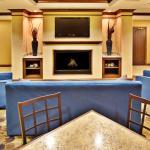 Dubuqe, IA Holiday Inn Express Lobby
