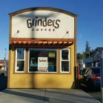 Foto de Grinders Coffee