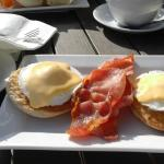 Outdoor breakfast in the sunshine