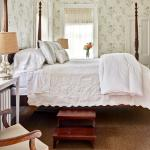 Light, bright, spacious guest rooms