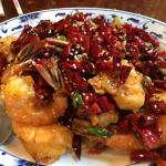 Shrimp with dried red chilies