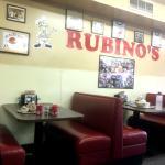 Rubino's interior