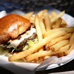 Photo de Sure Thing Burger