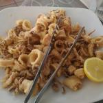 Calamaretti croccanti fuori e tenerissimi dentro! Buoni e freschi come in Croazia!