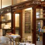 Photo de Opera Bakery Cafe